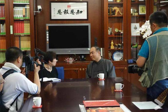 日本国家电视台NHK采访净空老法师及陈大惠老师 - 极乐妙音 - 弥陀我慈父,极乐我本乡;