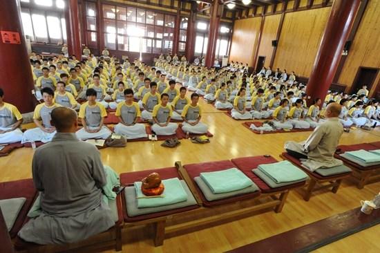佛教界在弘法方面存在哪些问题呢